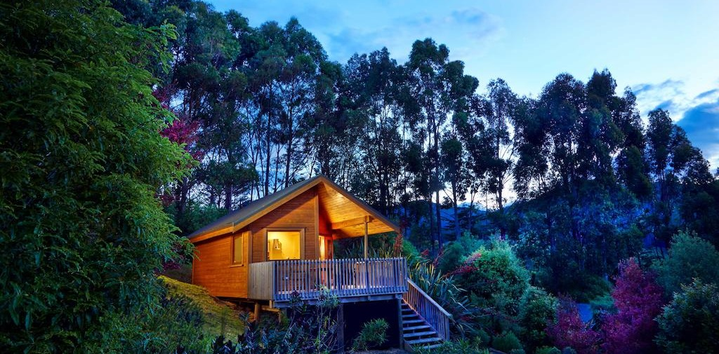 Unique hotel Resurgence Eco Lodge, New Zealand