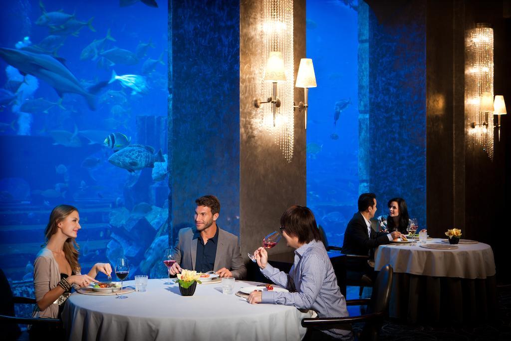 Unique hotel in dubai atlantis underwater suites for Unusual hotels in dubai