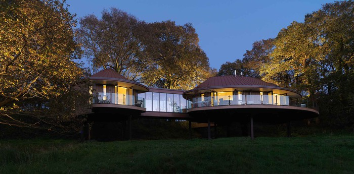 Unique hotel Chewton Glen Treehouse, United Kingdom