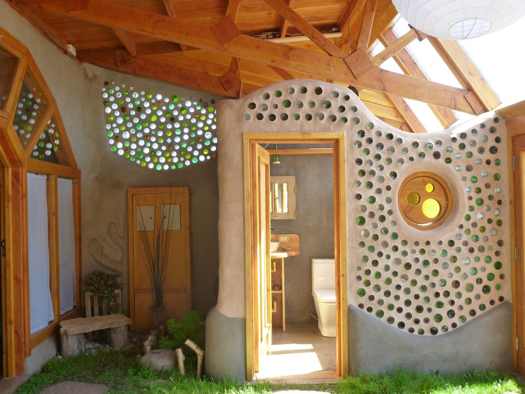 Unique hotel Earthship Patagonia2, Argentina