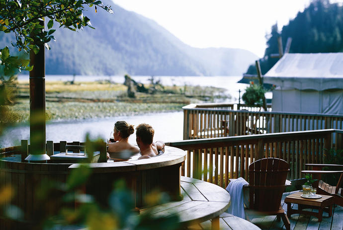Unique hotel Clayoquot Wilderness Resort, Canada